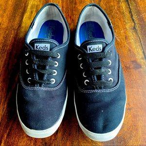 KEDS Canvas Sneaker. Size 8.5